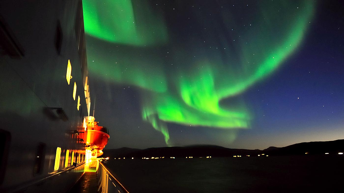 Your No Nonsense Guide To Stalking The Northern Lights
